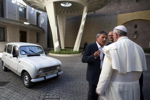Città del Vaticano, ecco la nuova auto di papa Francesco