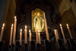 Candele_nella_Chiesa_San_Zeno_in_Oratorio